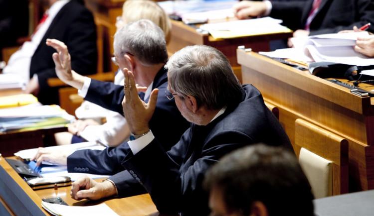 V Brně podalo přihlášku k volbám do Senátu 10 politických stran a hnutí