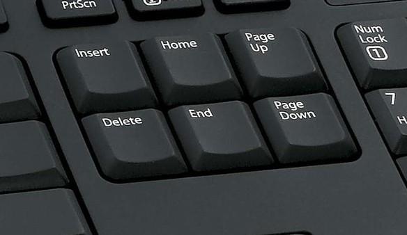 Hacker médiím rozeslal rezignaci hejtmana Haška