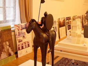 Radní schválili návrhy na jezdeckou sochu Jošta