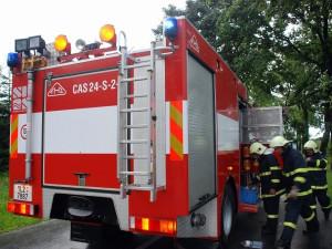 Žhář zapálil byt v panelovém domě ve Starém Lískovci