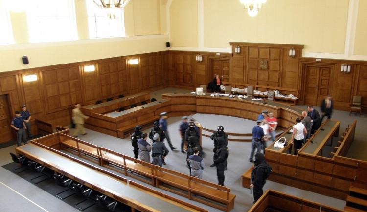Soudců ubývá, rozhodování o kauzách se tím prodlužuje