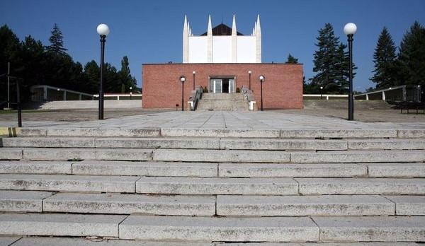Krematorium a jeho okolí bude opraveno za 35 milionů