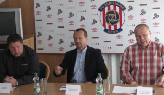 Fotbalisté se třemi posilami nechtějí hrát o záchranu