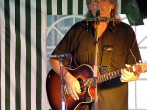 Zemřel zpěvák a kytarista Bob Frídl, podlehl rakovině