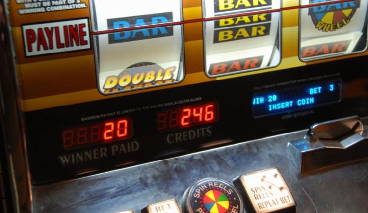 Ve městě má zaniknout téměř 200 hazardních přístrojů