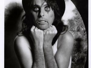 Alice Cooper dnes po pěti letech vystoupí v brněnské hale