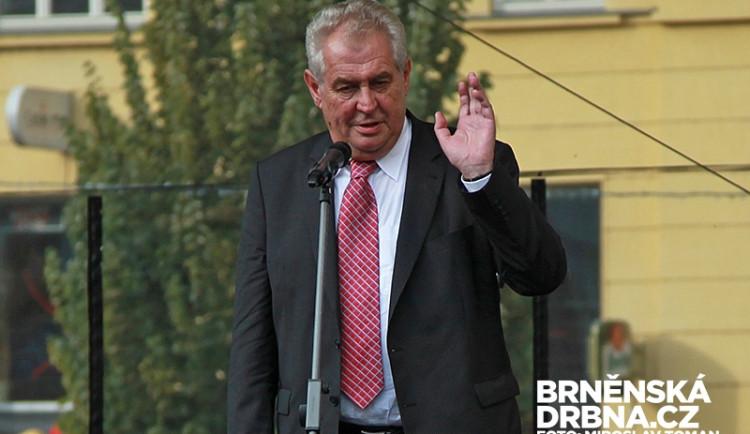 Za narušování setkání Zemana s lidmi hrozí muži pokuta 7000 Kč