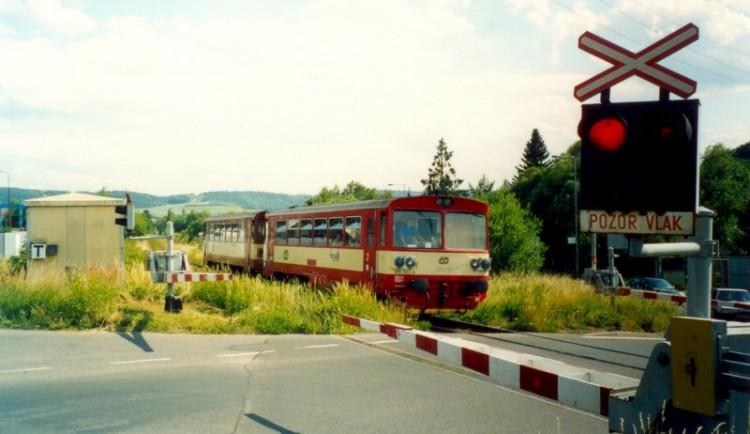 Naháčovi překazily útěk železniční závory