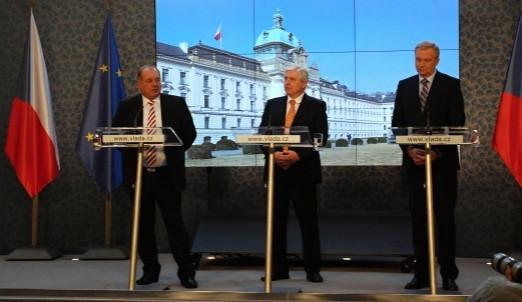 Vláda vyráží na pravděpodobně poslední zasedání do Židlochovic