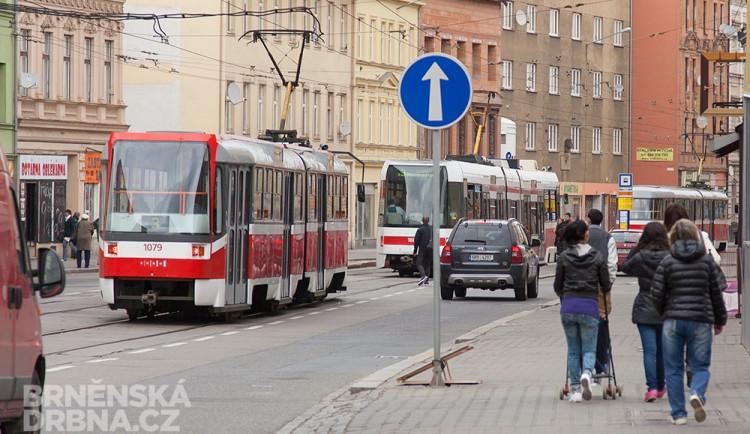 Hromadnou dopravu na Cejlu zastavila závada na tramvaji