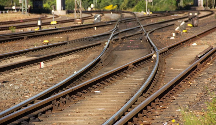 V Maloměřicích srazil vlak člověka, ten nepřežil