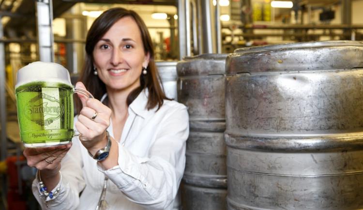Starobrněnští sládci stáčeli Zelené pivo