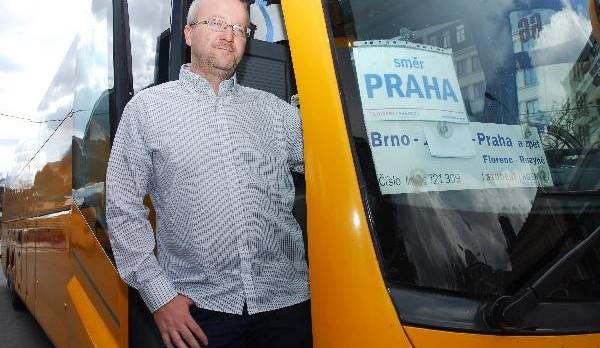 Majitel Student Agency vyzval ministra dopravy k zaplacení 50 milionů