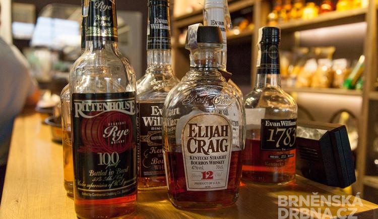Brňané chtějí kvalitní bourbon. Často ale kupují napodobeniny
