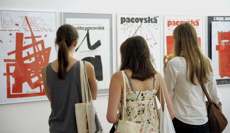 Paláce v Brně zaplnil grafický design, bienále potrvá do října
