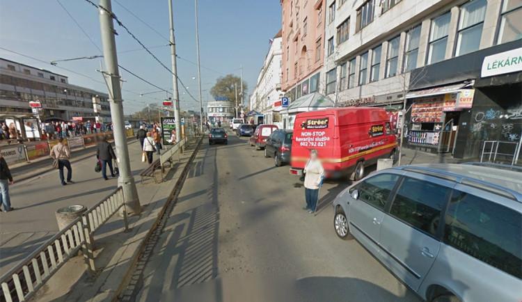 Sražená chodkyně odjela z místa tramvají