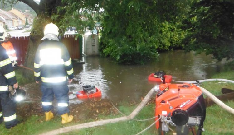 Přívaly vody zaměstnaly jihomoravské hasiče