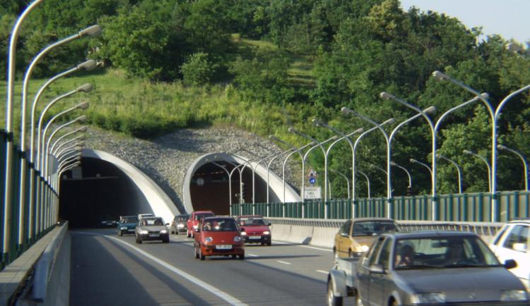 Od září měl být uzavřen Pisárecký tunel - oprava se znovu odkládá