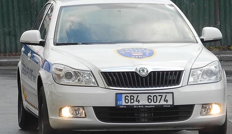 Mladík si přivolal policisty, aby jej dovedli domů - hrozí mu pokuta 200 tisíc