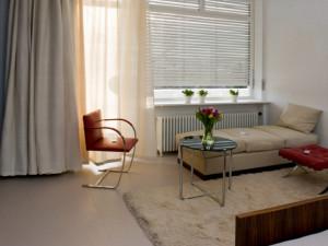 Do vily Tugendhat  se vrátily originální kusy nábytku