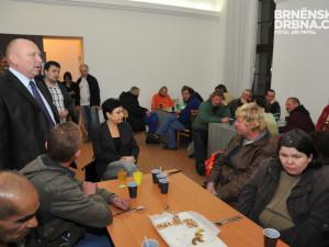 Lidem bez domova začala sloužit noční krizová centra