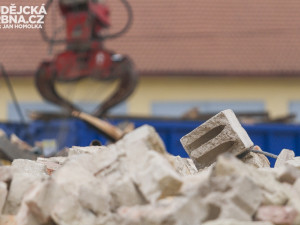 V Brně začala demolice továrny, ustoupí stavbě okruhu