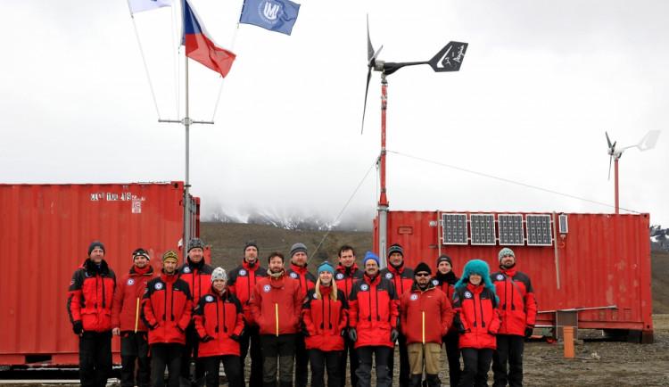 Vědci se v Antarktidě tentokrát zaměří na tučňáky