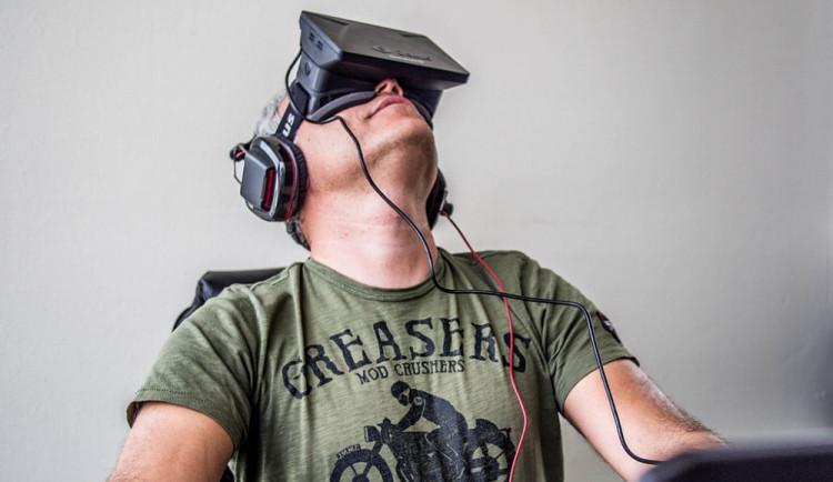 Brněnští vědci získali helmu pro vstup do virtuálního prostoru