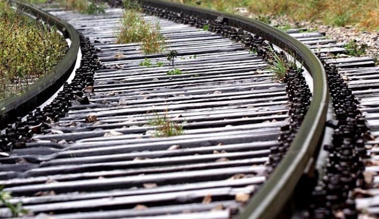Trať ze Zastávky u Brna do Okříšek se bude opravovat až za rok