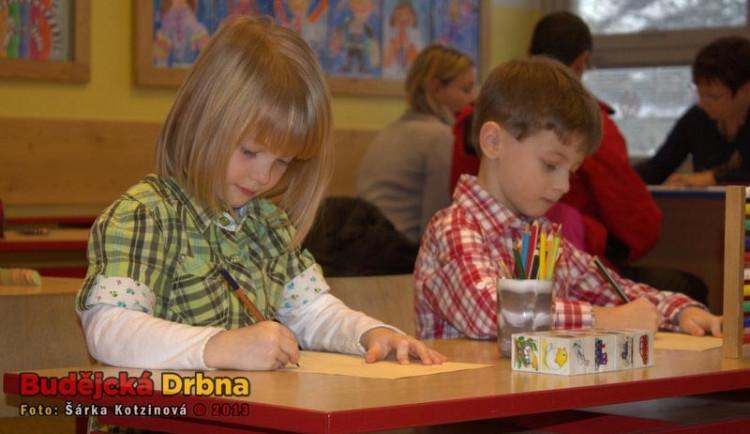 O přijetí dětí do žádané ZŠ by měl podle Šabatové rozhodnout los