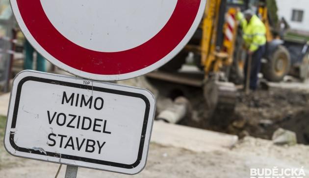 Na opravy silnic je letos na jižní Moravě nachystáno 936 milionů