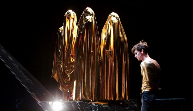 Tři víkendové premiéry brněnských divadel