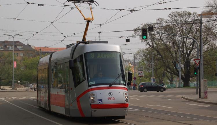 Hlídky pomáhaly řidičům městské hromadné dopravy