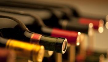 Do ČR se stále dováží ze zahraničí více vína