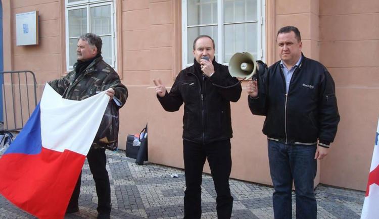 Zastupitelé nesouhlasí s prvomájovým pochodem   Dělnické mládeže