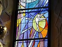 Kostel v Brně-Žabovřeskách dostal k 20. výročí vitráže