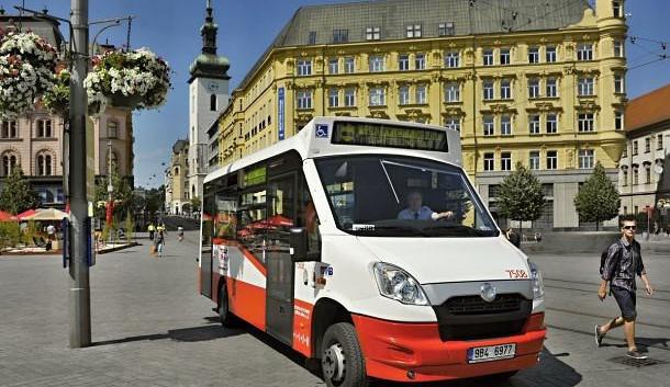 Přes hvězdárnu a vily na Špilberk. Minibusem