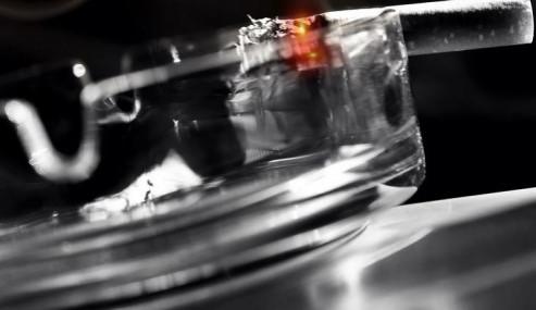 Vláda podpořila úplný zákaz kouření v restauracích
