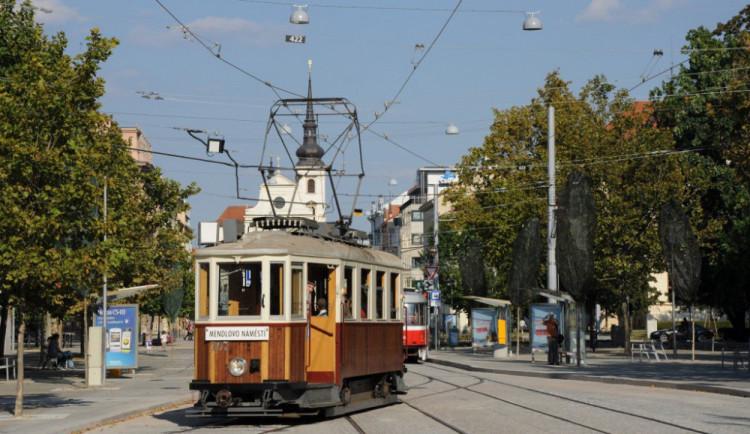 V Brně ode dneška jezdí historické linky tramvaje a trolejbusu