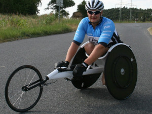 """Nehoda ho odkázala na vozík, přesto se nevzdal. Teď """"poběží"""" v Brně RunTour"""