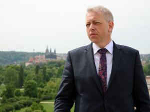Chovanec: Tok migrantů do Česka se zastavil, jejich počty klesly