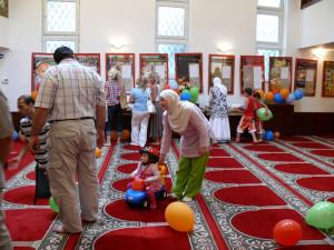 Mešita v Brně se otevřela veřejnosti, prohlídky byly bez konfliktů