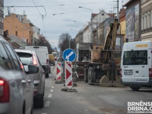 Kraj naplánoval opravy desítek kilometrů silnic. Využije 238 milionů od státu