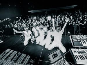 Festival ECHOES přiveze do Brna tajemnou synthpopovou pětici Bokka