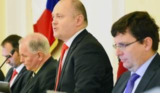 Zelení a piráti chtějí rezignaci Haška kvůli kauze Proutníková