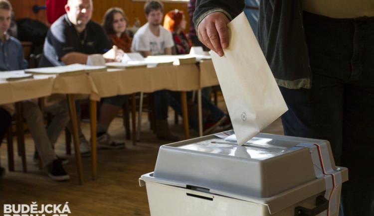 Volební místnosti jsou pro dnešek uzavřeny. Ke krajským a senátním volbám se vydala čtvrtina brněnských voličů