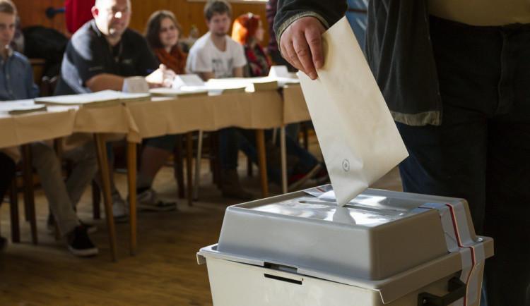 Skončily krajské a senátní volby. V Brně hlasovalo přes čtyřicet jedna procent voličů