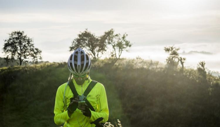 Cyklistické přilby snižují riziko vážného poranění hlavy o téměř 70 procent