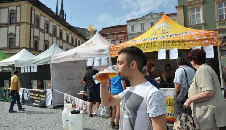 Přemíra pití piva má podle studie zhoubný dopad na zdraví Čechů
