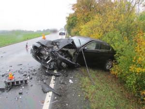 Silnice na Znojmo byla po dopravní nehodě uzavřena. Zranili se tři lidé včetně dítěte